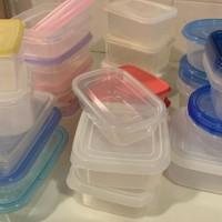 プラスティックの保存容器